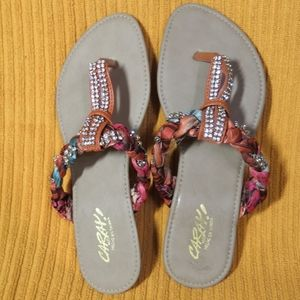 Free with purchase Unique sandals from Cancun
